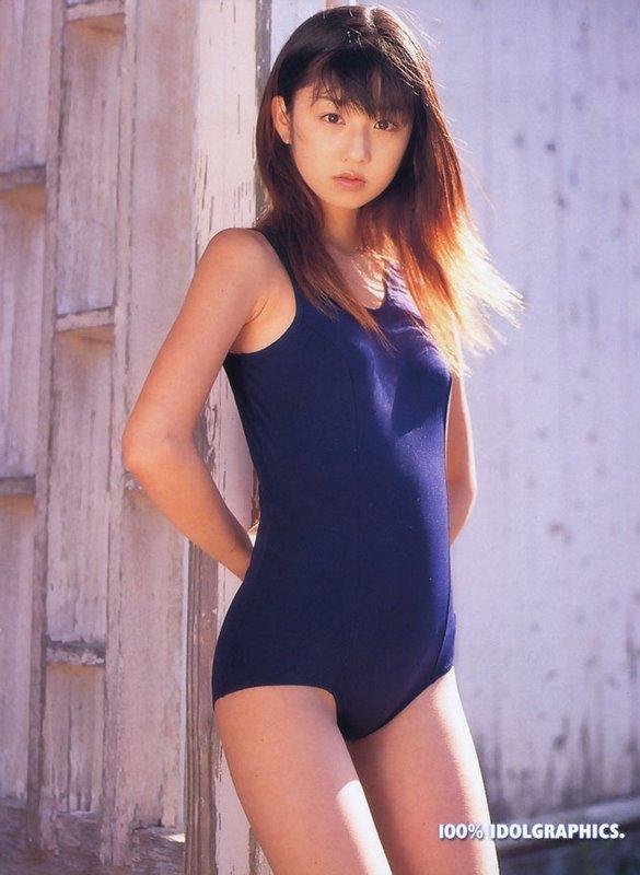 小倉優子さんの水着